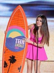 Смотреть онлайн 13-я ежегодная церемония вручения премии Teen Choice Awards 2012