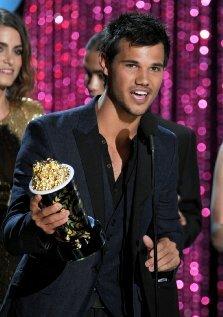 Церемония вручения премии MTV Movie Awards 2012