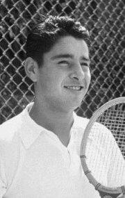 Панчо Гонзалез
