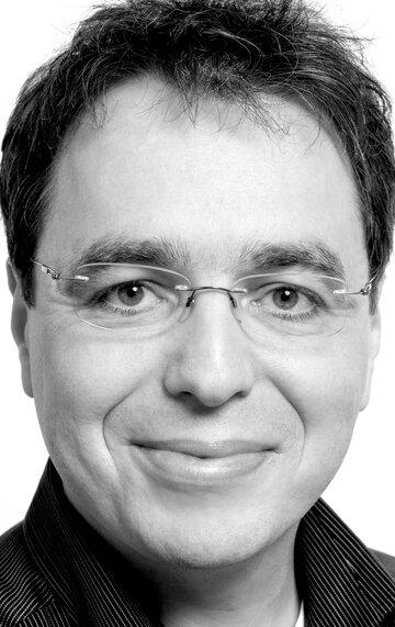 Давид Сафир
