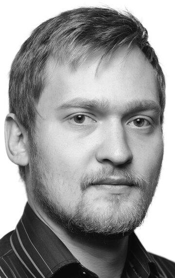 Максим Счастнев