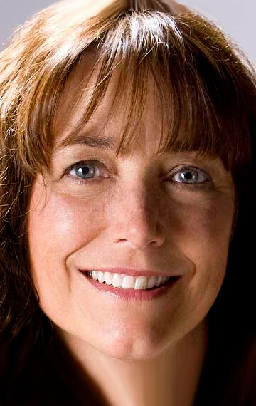 Karen Allen a year by the sea