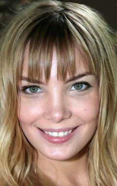 Обнаженная знаменитость Сестры Арнтгольц на бесплатных фотках и видеороликах