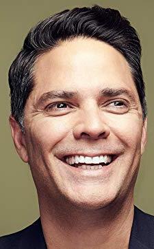 Тони Моралес
