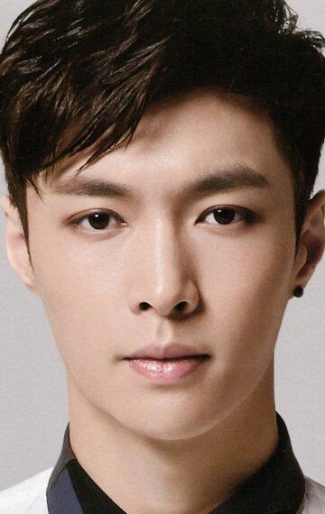 Чжан Исин