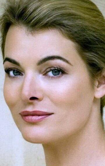 Стефани Романов