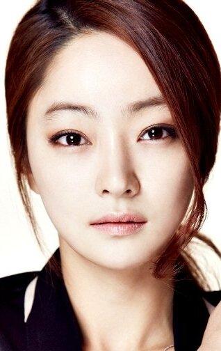 SEO Hyo ráfik a pieseň Joong Ki datovania