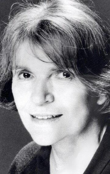Alice Drummond is still alive