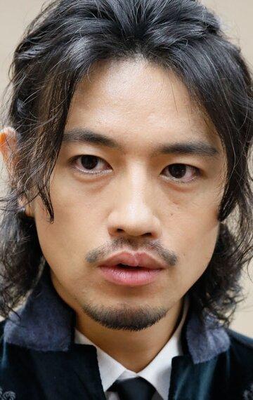Такуми Сайто
