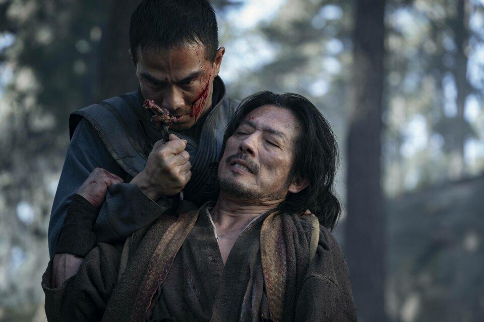 Китаец Саб Зиро убивает японца Такеши Ханзо ( в будущем Скорпиона)