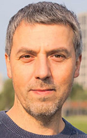 Денис Бгавин