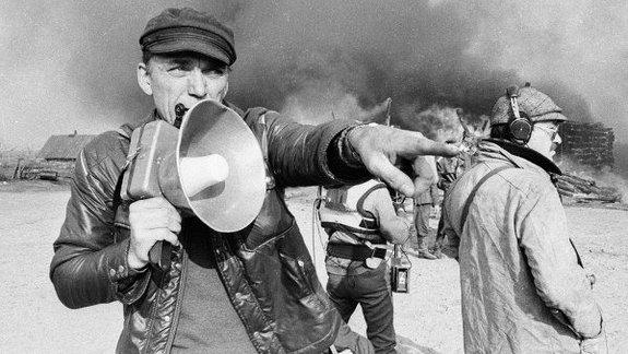 Элем Климов на съемках фильма «Иди и смотри»