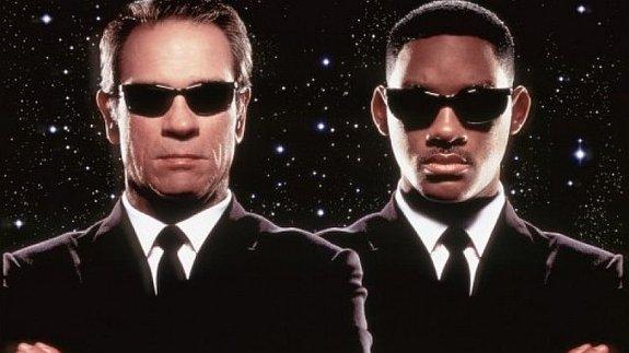 Сценаристы «Железного человека» написали спин-офф «Людей в черном»