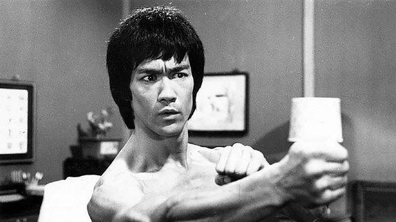 «Я — художник боевых искусств»: Отрывок из книги о Брюсе Ли