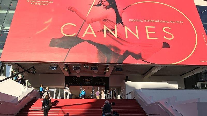 Организаторы Каннского кинофестиваля объявили, что в нынешнем году его проведение в традиционной форме отменено.