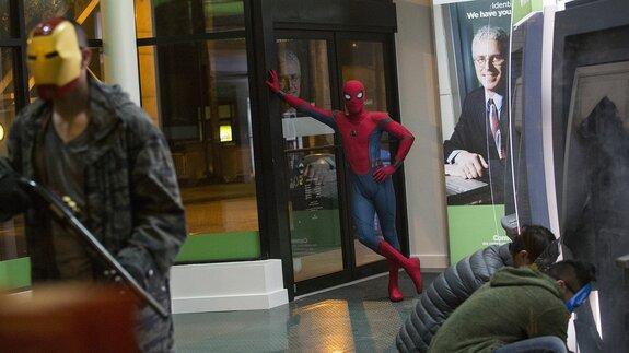 «Человек-паук: Вдали от дома»: Первые фото нового стелс-костюма
