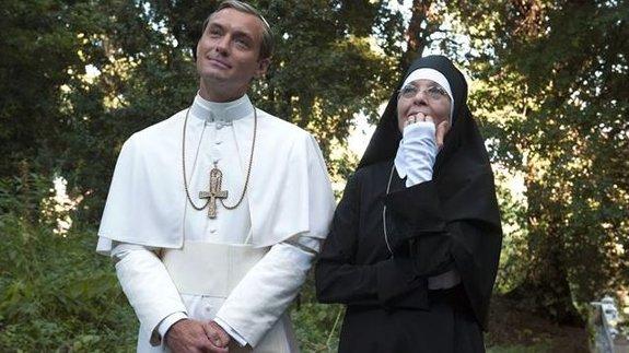 Джуд Лоу иДайан Китон всериале «Молодой Папа»