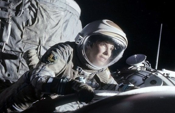Сандра Буллок: «Моя героиня была мертва, когда летела в космос»
