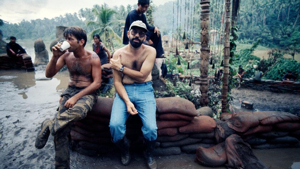 Фрэнсис Форд Коппола и Мартин Шин на съемках фильма  «Апокалипсис сегодня» / Фото: Getty Images