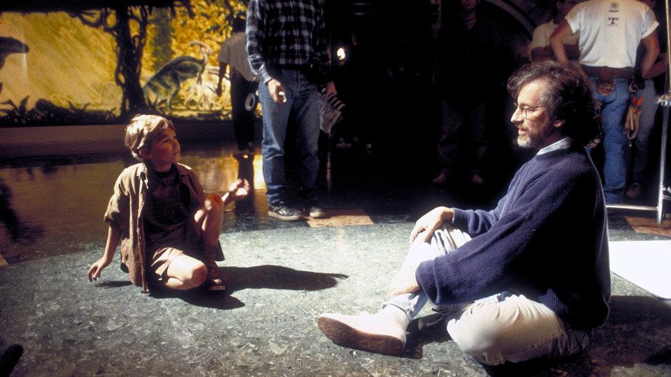 Стивен Спилберг и Джозеф Маццелло на съемках фильма «Парк Юрского периода» / Фото: Getty Images
