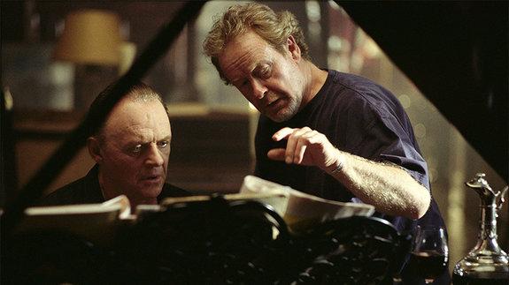 Ридли Скотт и Энтони Хопкинс на съемках фильма «Ганнибал»