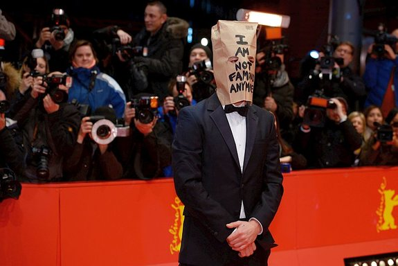 Шайа ЛаБаф на Берлинском кинофестивале / Фото: Getty Images