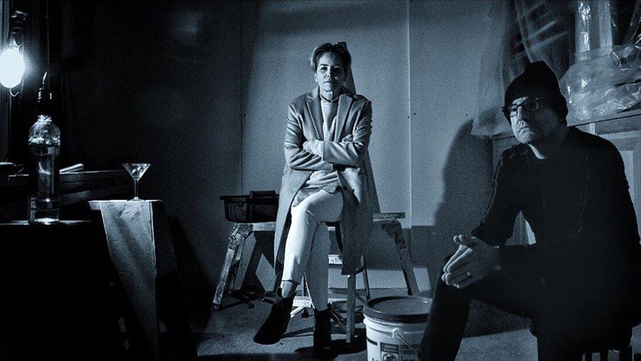 Стивен Содерберг и Шэрон Стоун на съемках «Мозаики»
