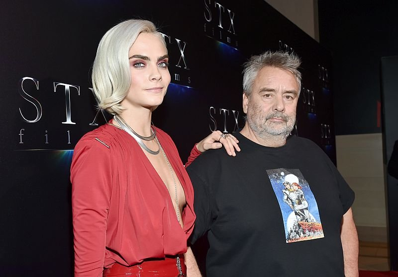 Кара Делевинь и Люк Бессон на CinemaCon / Фото: Getty Images