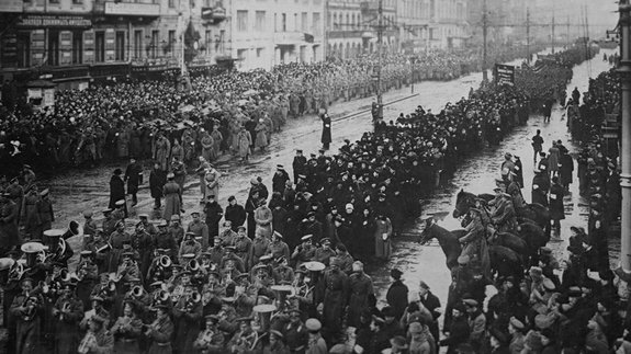 Похороны жертв революции