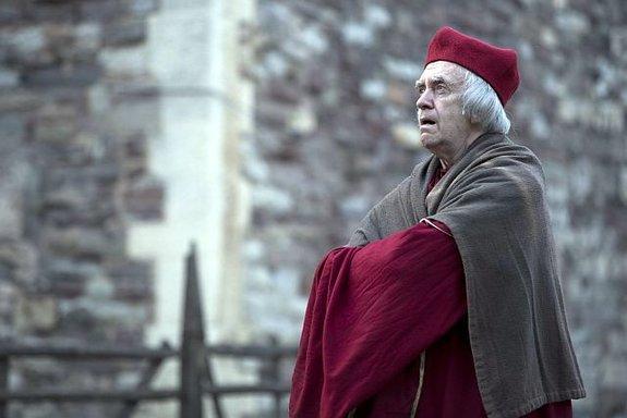 Джонатан Прайс вроли кардинала Уолси всериале «Волчий зал»