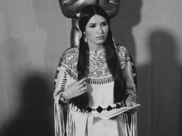 Актриса Сачин Маленькое Перо (Мария-Луиза Круз), выступившая на оскаровской церемонии вместо Марлона Брандо