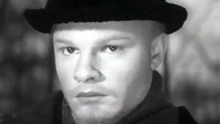 Родион Нахапетов в роли молодого Ленина