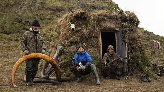 С героями фильма во время съемок «Охотников» / Фото из личного архива Максима Арбугаева