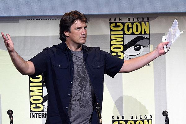 Нэйтан выступает на главном Comic Con в Сан-Диего / Фото: Getty Images