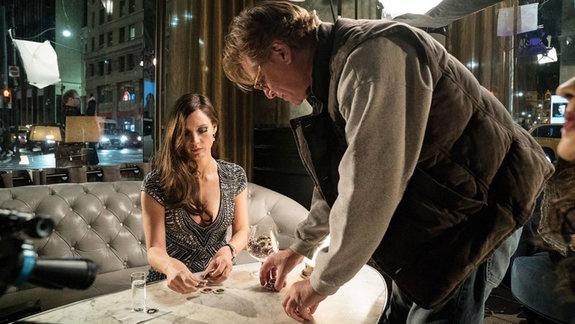 Джессика Честейн  и Аарон Соркин на съемках фильма «Большая игра»