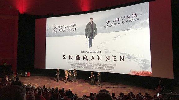 Перед премьерой «Снеговика» 10 октября 2017-го вкинотеатре «Колизей» в Осло/ Фото: КиноПоиск