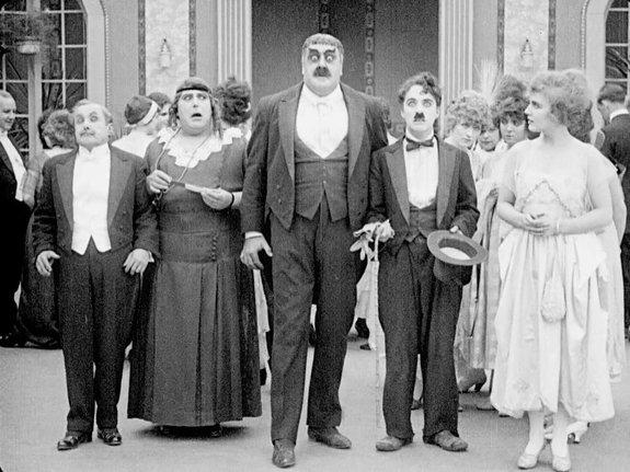«Картина дня» 100 лет назад: Сериал «Молодожены», порно и пропаганда США