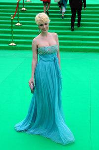 Анна Старшенбаум: платье и клатч Christian Dior