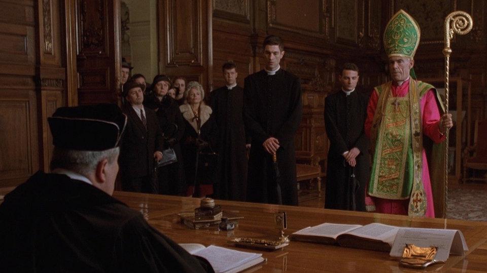 Кадр из фильма «Аминь»