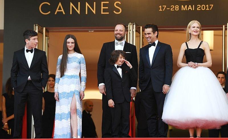 Йоргос Лантимос со звездами своего фильма на премьере в Каннах / Фото: Getty Images