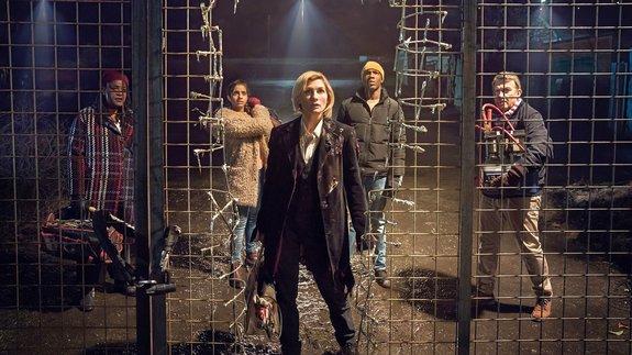 «Доктор Кто: Женщина, которая упала наЗемлю»