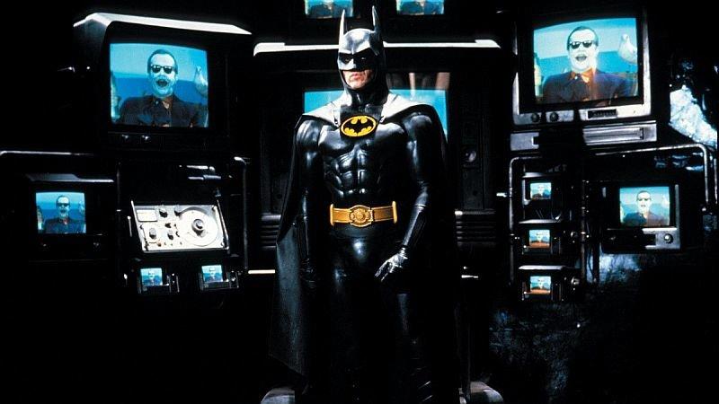 Майкл Китон вроли Брюса Уэйна вфильме Тима Бёртона «Бэтмен»