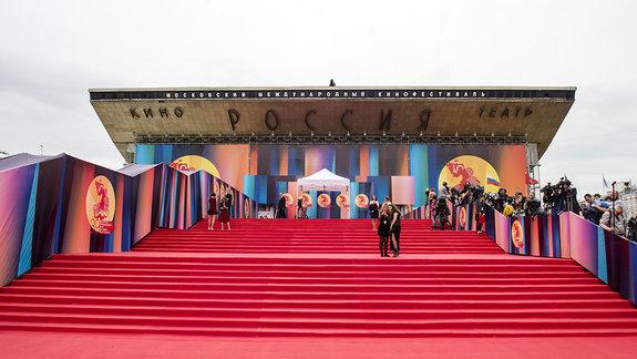 «Это не фестиваль»: В чем главные претензии к ММКФ?