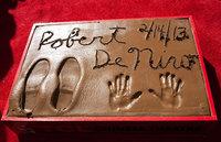 Отпечатки рук и ног Роберта Де Ниро