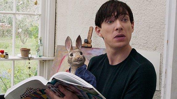Донал Глисон сражается скроликами в«Кролике Питере»