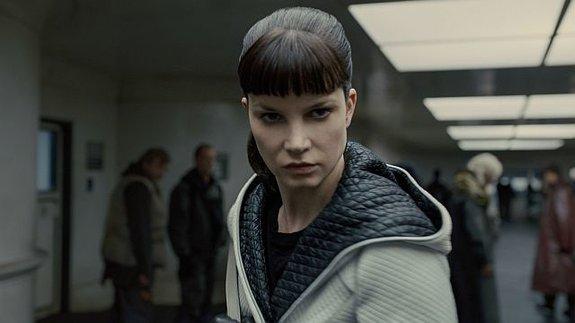 Сильвия Хукс снимется в продолжении «Девушки с татуировкой дракона»