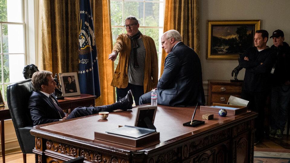 Адам МакКей на съемках фильма «Власть»