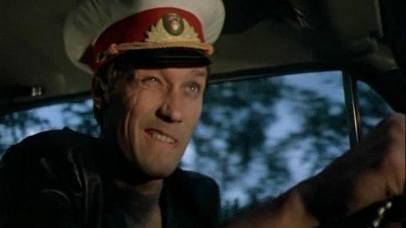 «Сержант милиции»: Не верьте своим глазам, это не сержант, а глава преступной группы в чужой фуражке