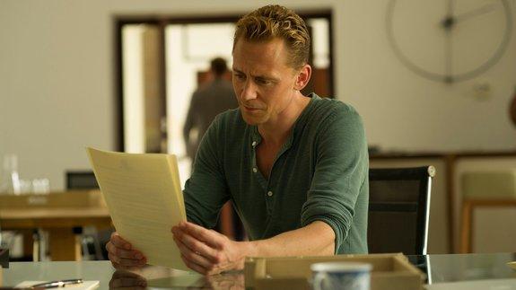 Продюсеры «Ночного администратора» собрали сценаристов для второго сезона