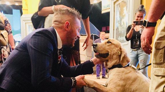 Том Харди и собака / Фото: Борис Кит